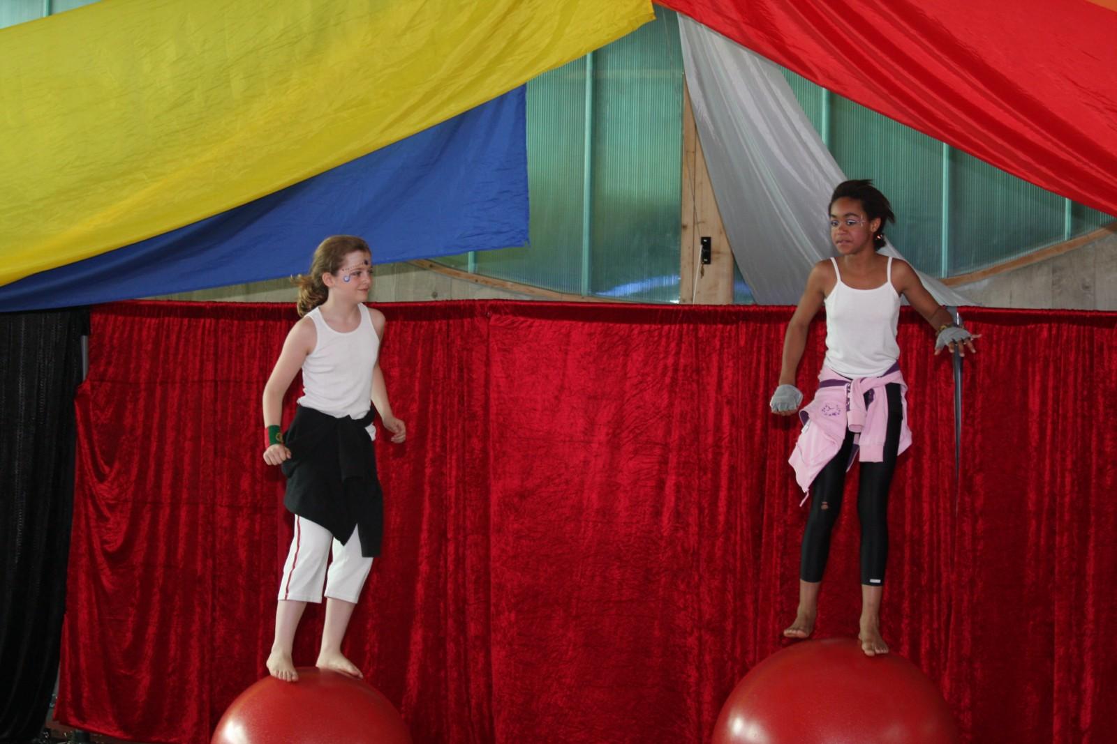 Spectacle de fin d'année 2010 - école de cirque En Piste - Cesson-Sévigné - Rennes Metropole