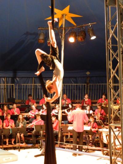 Festival Cirque ou presque 2011 à Noyal sur Vilaine - Ecole de cirque En Piste! Cesson-Sévigné - Rennes Metropole