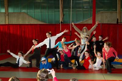 Spectacle de fin d'année 2012 - école de cirque En Piste - Cesson-Sévigné - Rennes Metropole